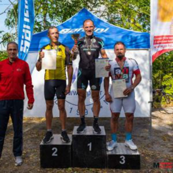 aek-cycling-podium-go