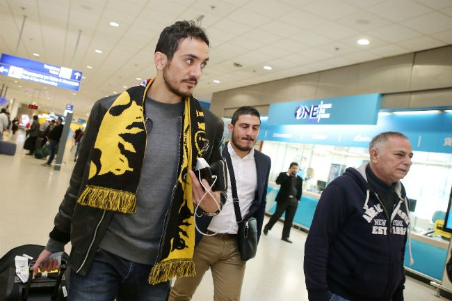 aek-volley-salafzoun-bag-airport-makris