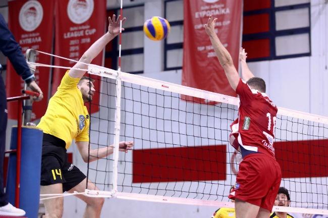 olympiacos-osfp-aek-volley-tzioumakas-tzoumakas