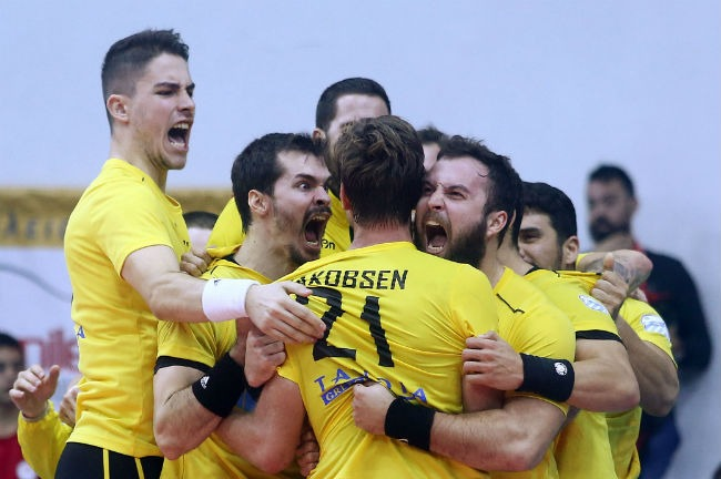 osfp-aek-olympiacos-handball-omadiki-panigirismoi-zampounis-vrazalica-jakobsen