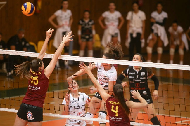 paok-aek-volley-women-ginaikes-play-kavvadia-giovani