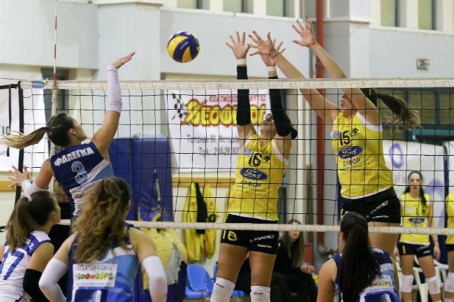 aek-lamia-women-volley-volleyball-ginaikon-ginaikwn-gynaikon-gynaikwn-block