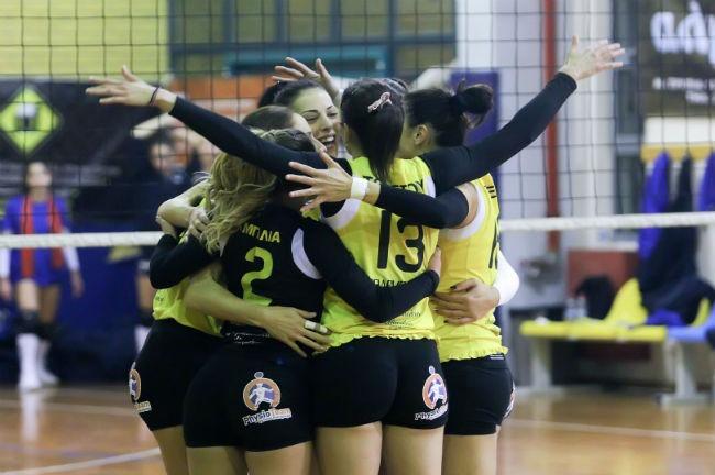 aek-lamia-women-volley-volleyball-ginaikon-ginaikwn-gynaikon-gynaikwn-panigiria-omadiki-team-omada