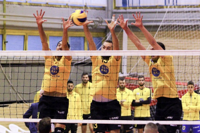 aek-paok-volley-volleyball-men-andron-andrwn-block