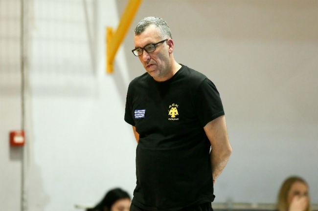 iraklis-kifisias-aek-volley-volleyball-women-ginaikes-gynaikes-apostologiorgakis-coach