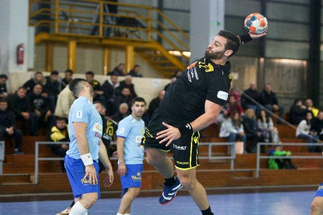aek-aris-nikaias-handball-papadionysiou-papadionisiou-goal