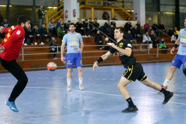 aek-aris-nikaias-handball-zampounis-goal