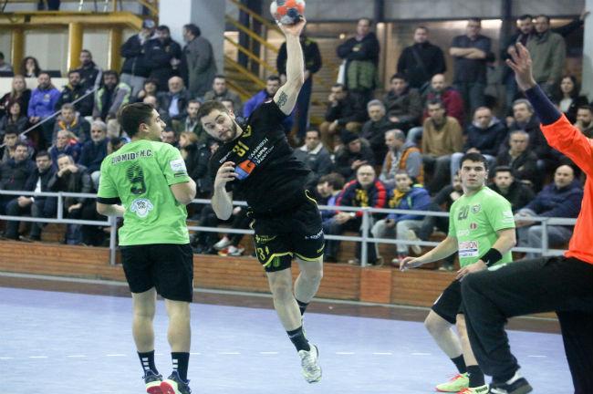 aek-diomidis-handball-cup-palevicius-goal