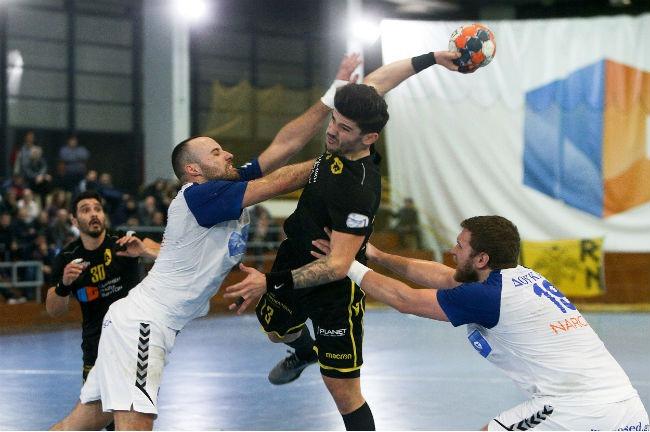 aek-doukas-handball-dompris-up