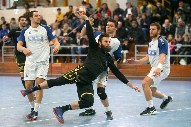 aek-doukas-handball-vrazalica