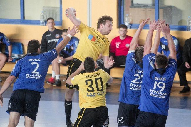 pilaia-pylaia-aek-handball-jakobsen-up