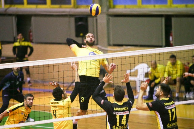 aek-komotini-volley-volleyball-men-andriko-charalampidis-epithesi
