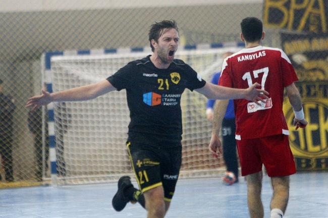 aek-osfp-olympiacos-handball-jakobsen-goal