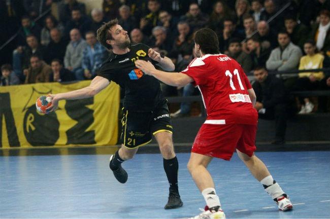 aek-osfp-olympiacos-handball-jakobsen