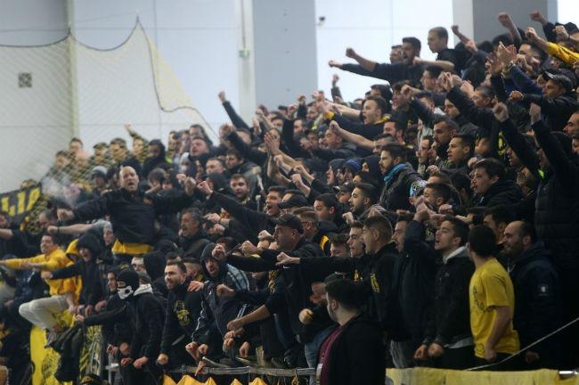aek-osfp-olympiacos-handball-kosmos-fans-opadoi