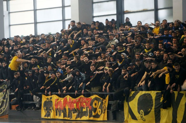 aek-osfp-olympiacos-handball-kosmos-opadoi-fans-kasimatis