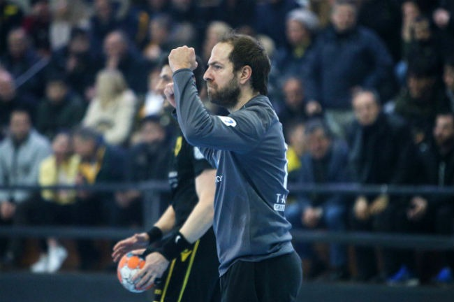 aek-osfp-olympiacos-handball-radulovic