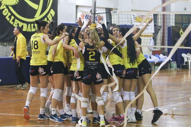 aek-paok-women-team-omada-volley-volleyball-ginaikes-ginaikwn-gynaikwn-gynaikon-omadiki