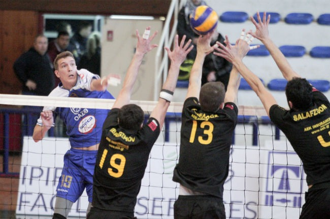 iraklis-aek-volley-volleyball-men-andriko-block-salafzoon-kanellos-ibragimov