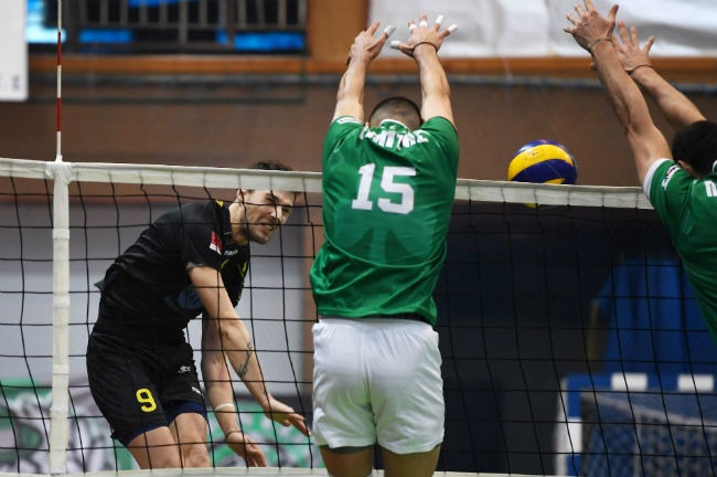 pao-panathinaikos-aek-men-andriko-volley-volleyball-papadopoulos-epithesi