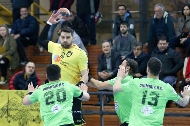 aek-diomidis-handball-nikolaidis-up