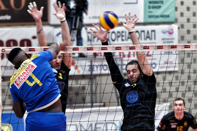 pamvochaikos-aek-men-volley-volleyball-andriko-block-charalampidis