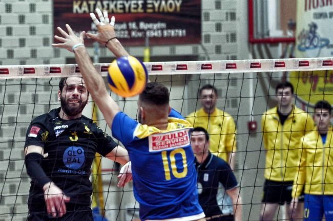 pamvochaikos-aek-men-volley-volleyball-andriko-charalampidis-epithesi