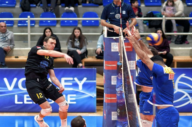 pamvochaikos-aek-men-volley-volleyball-andriko-stoilovic-epithesi