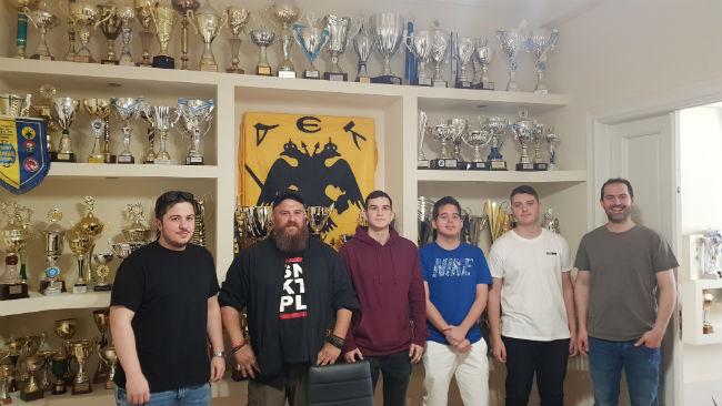 aek-esports-parousiasi-trophyroom