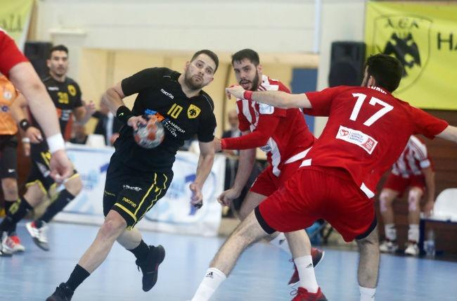 aek-osfp-olympiacos-handball-nikolaidis