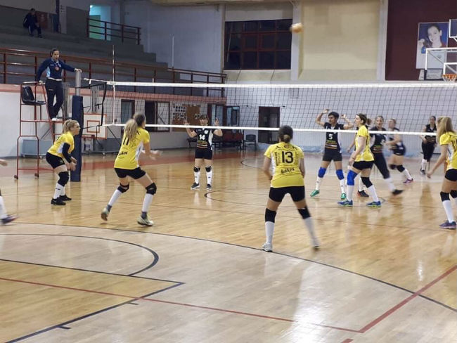 aek-vintage-volley-play