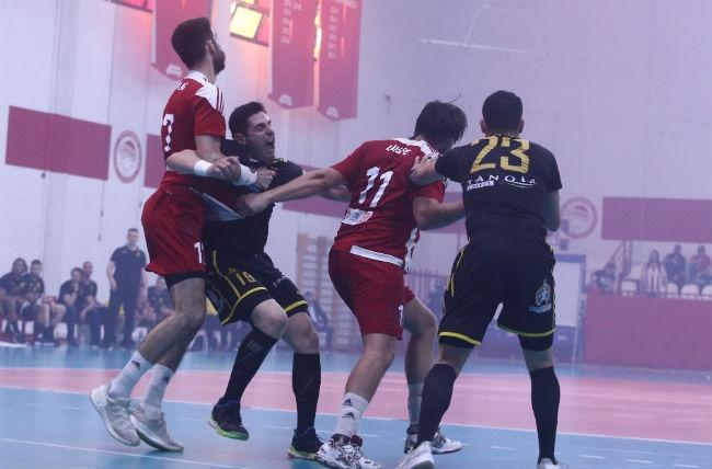 olympiacos-osfp-aek-handball-alvanos-ffoul