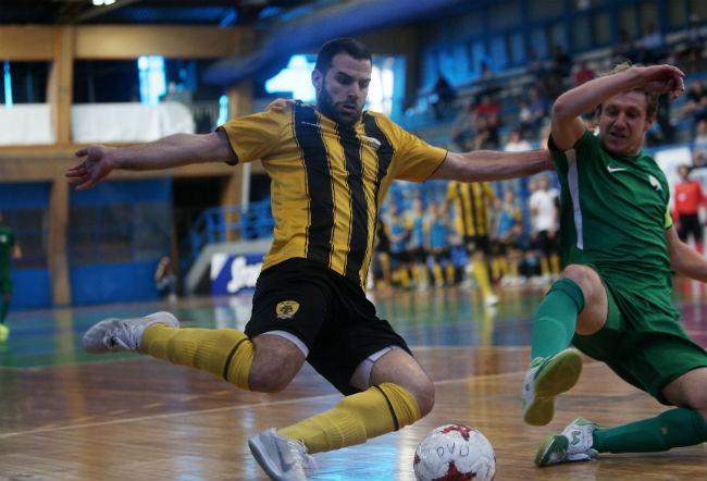 pao-panathinaikos-aek-futsal-salas-fight-play