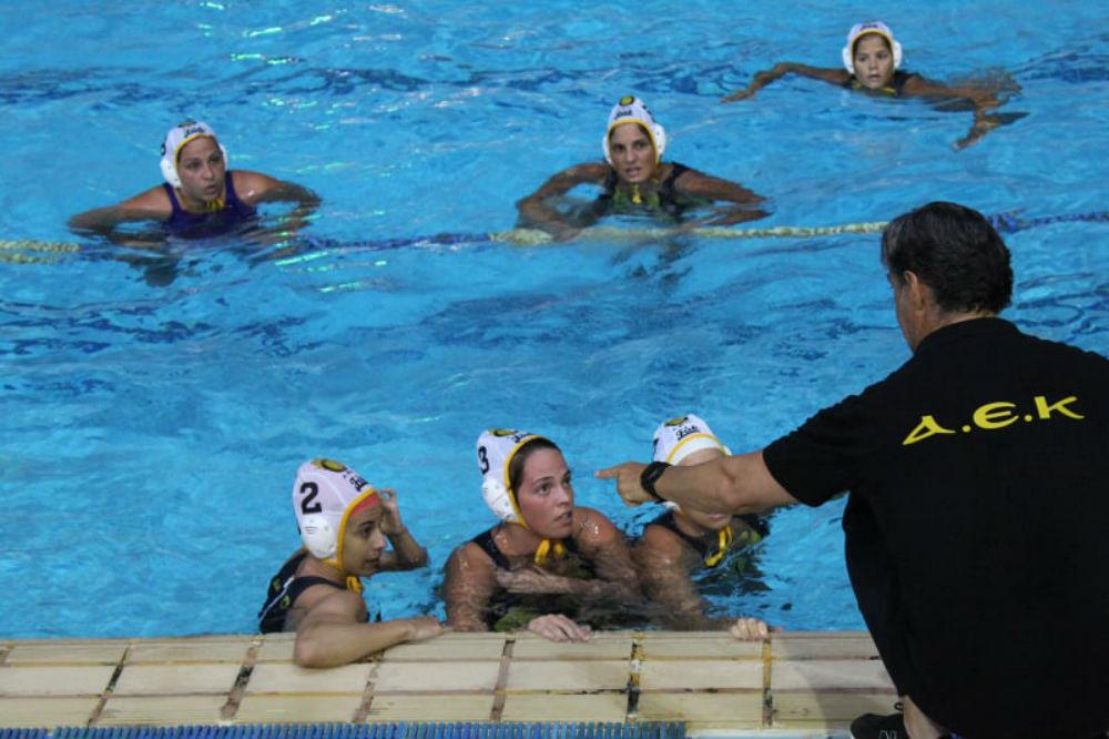 aek-waterpolo-women-gynaikes-1212121-team-pagkos