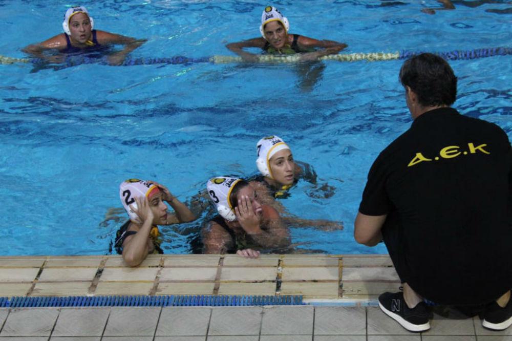 aek-waterpolo-women-gynaikes-team-omada-pagkos1