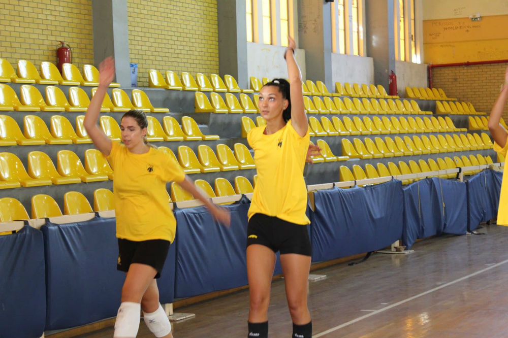 aek-women-volley-pirv