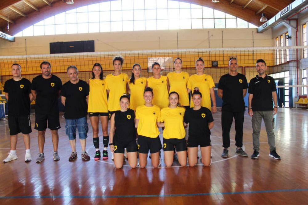 aek-women-volley-team-omada-omadiki-11111-kentriki1