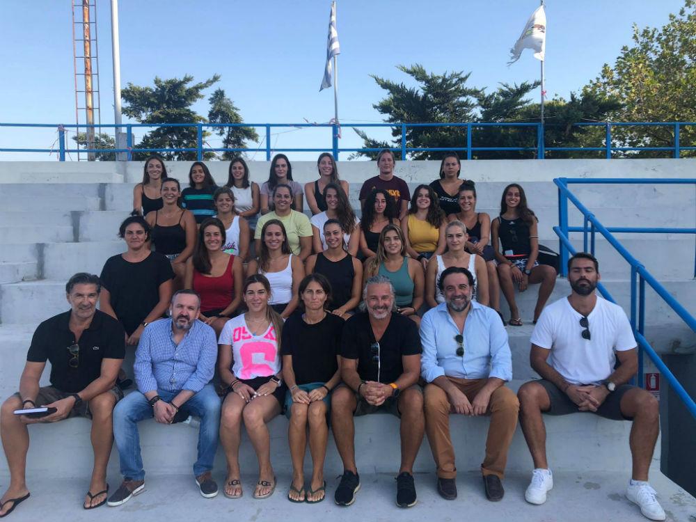 aek-women-waterpolo-team-sigkentrosi1